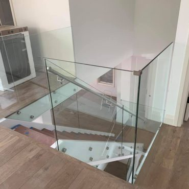 glass-railing-system-lake-zurich-glass-stair-railing-lake-zurich