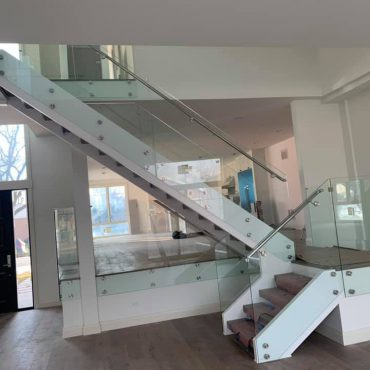 glass-handrail-lake-zurich-glass-railing-system-lake-zurich