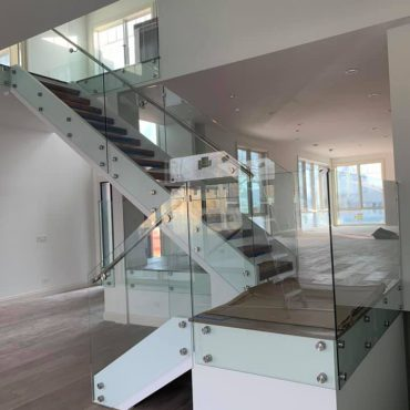 glass-balcony-railing-lake-zurich-glass-handrail-lake-zurich