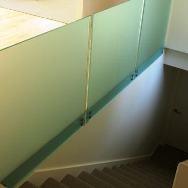 glass-railing-system-niles-glass-handrail-niles