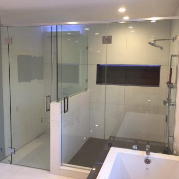 shower-enclosures-chicago-glass-handrail-chicago