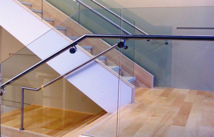 glass-railing-chicago-glass-stair-railing-chicago